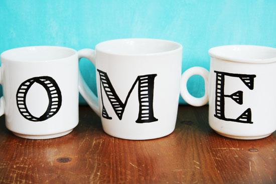 DIY - Anthropologie inspired monogrammed mugs
