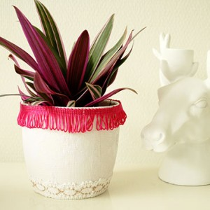 diy - restyled flower pot small