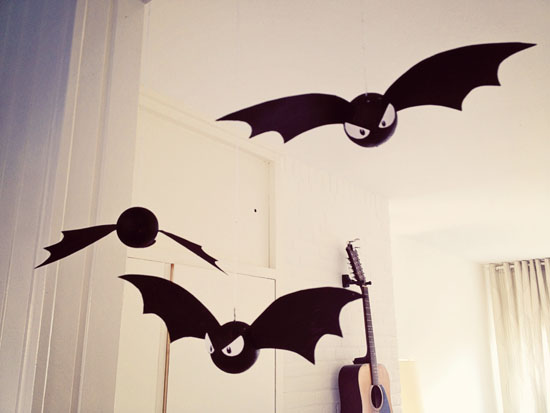 DIY - Halloween decoration bats!