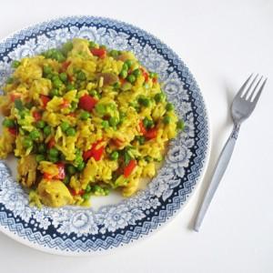 Recipe: pandan rice with chicken, peas and paprika
