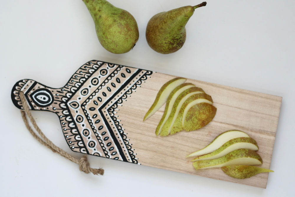 DIY - Painted cutting board