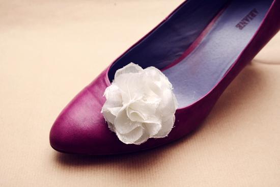 DIY - Fabric flower shoe clips