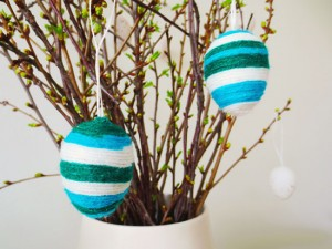 DIY - Yarn wrapped easter eggs