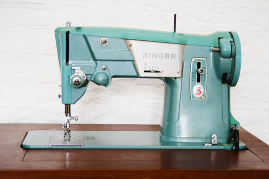 thrift store find singer sewing machine