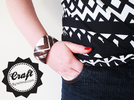 A great DIY on how to make a wooden bracelet with 'silver inlay'