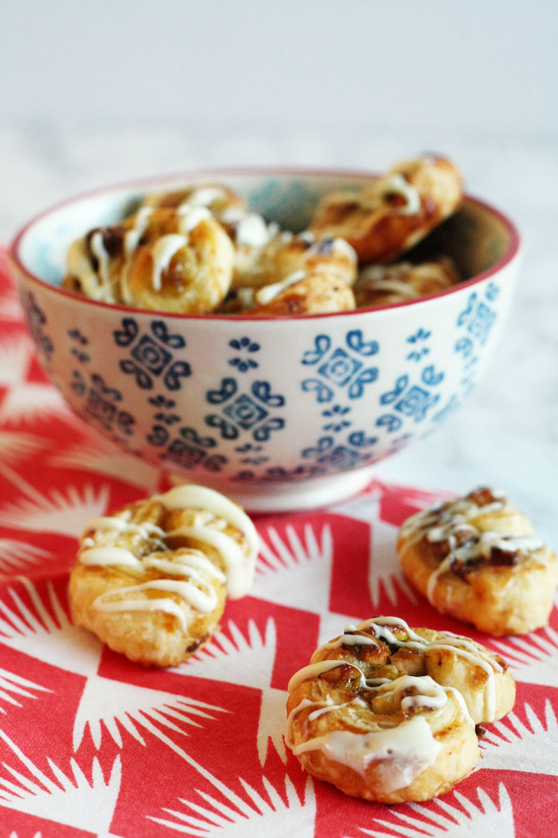 Recipe - Sweet puff pastry snacks. Easy to make and delicious!
