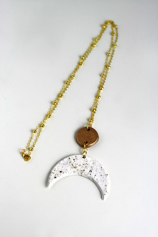 DIY - Crescent moon necklace